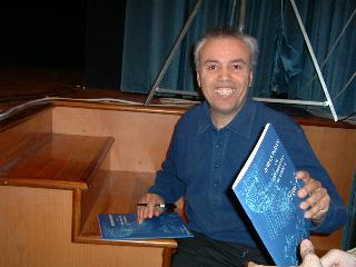Mario con autografo 'Johan Padan'